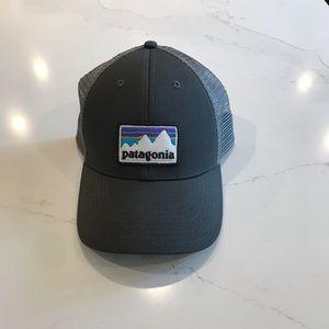 Patagonia LoPro trucker hat grey